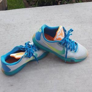 Nike shoes size 6.5 y Kobe X air zoom
